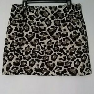 Loft SZ 12 Ladies Mini Skirt Animal Print